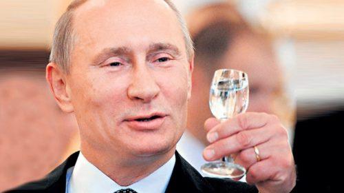 Владимир Путин допустил возвращение рекламы водки в СМИ во время ЧМ-2018